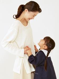 madre-y-nina-sonriendo